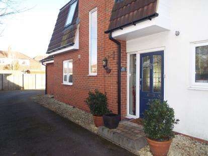 3 Bedrooms Semi Detached House for sale in Studley Croft, Olton, Solihull, West Midlands