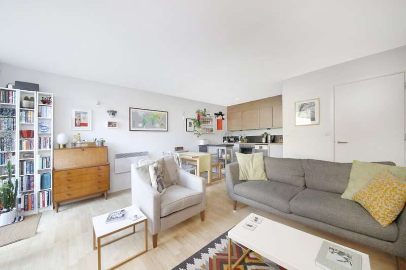 2 Bedrooms Flat for sale in Borland Road, London, SE15 3BL