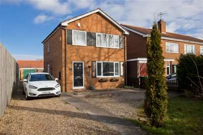 3 Bedrooms Detached House for rent in Huntington