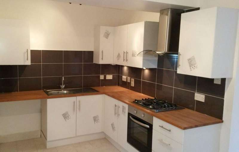 3 Bedrooms Terraced House for rent in Percy Road