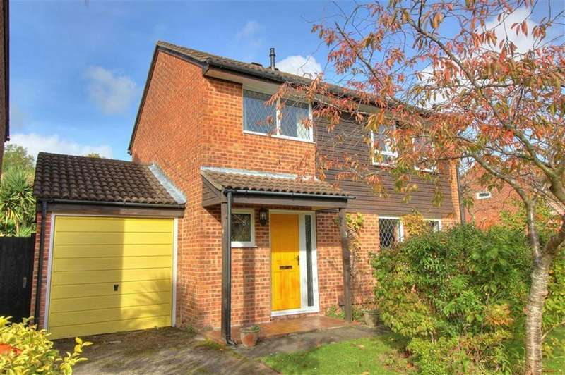 4 Bedrooms Detached House for sale in Ormesby Drive, North Millers Dale, Chandlers Ford, Hampshire