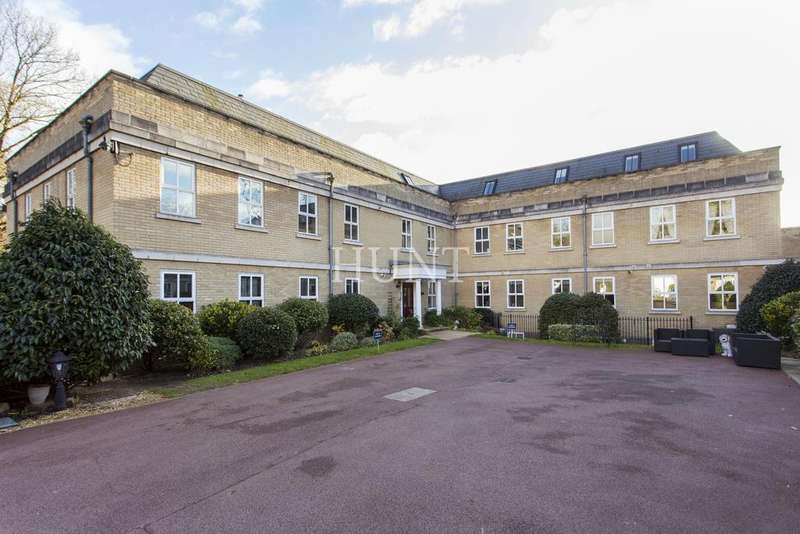 3 Bedrooms Apartment Flat for sale in Claybury Hall, Regents Drive, Woodford Green, Essex IG8
