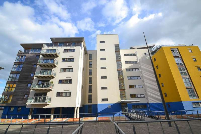 2 Bedrooms Flat for sale in Midway Quay, Eastbourne