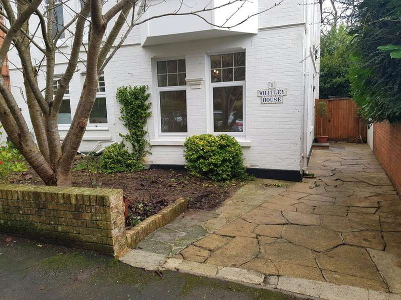 2 Bedrooms Apartment Flat for sale in Whitley House, The Avenue, Sherborne, Dorset, DT9