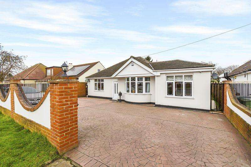 5 Bedrooms Detached Bungalow for sale in Barton Road, Sidcup