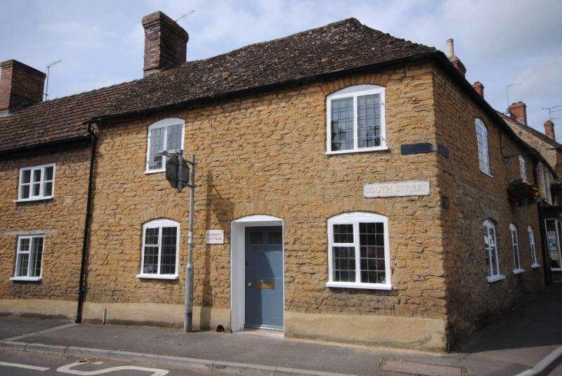 3 Bedrooms End Of Terrace House for sale in South Street, Milborne Port, Sherborne, Dorset, DT9