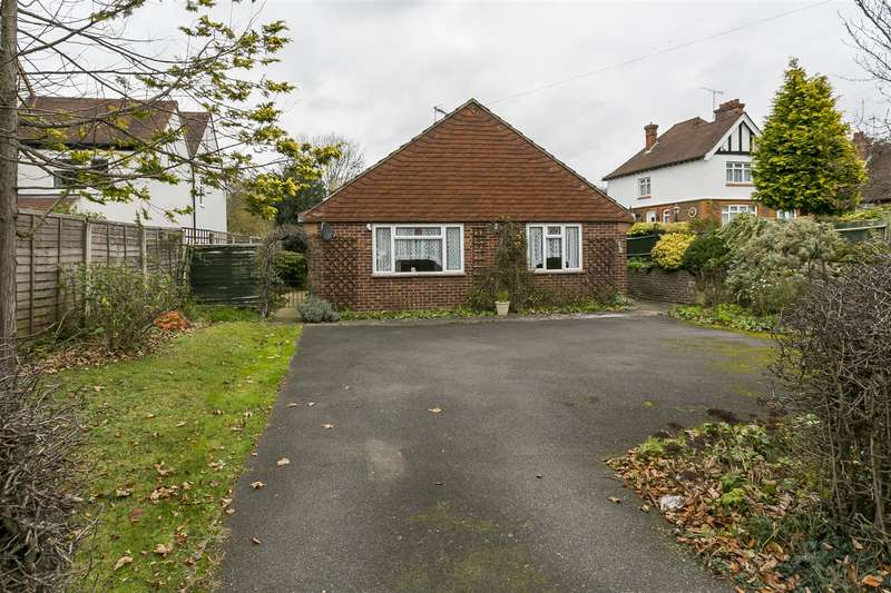 3 Bedrooms Bungalow for sale in London Road, Leybourne, West Malling
