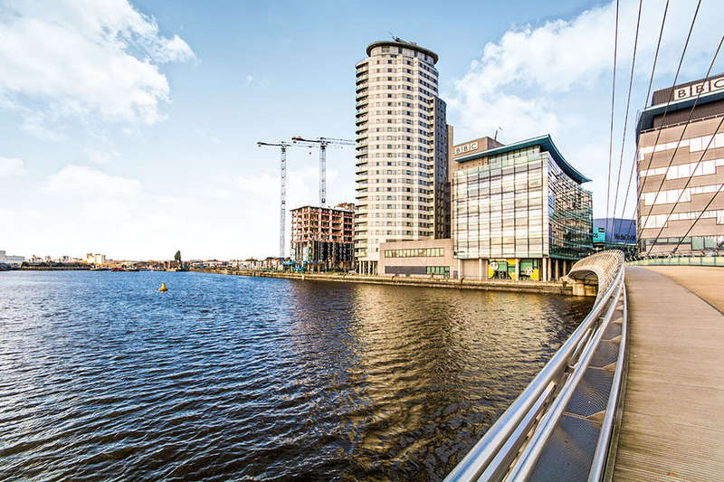 3 Bedrooms Flat for sale in Blue, Media City Uk, Salford Quays, M50