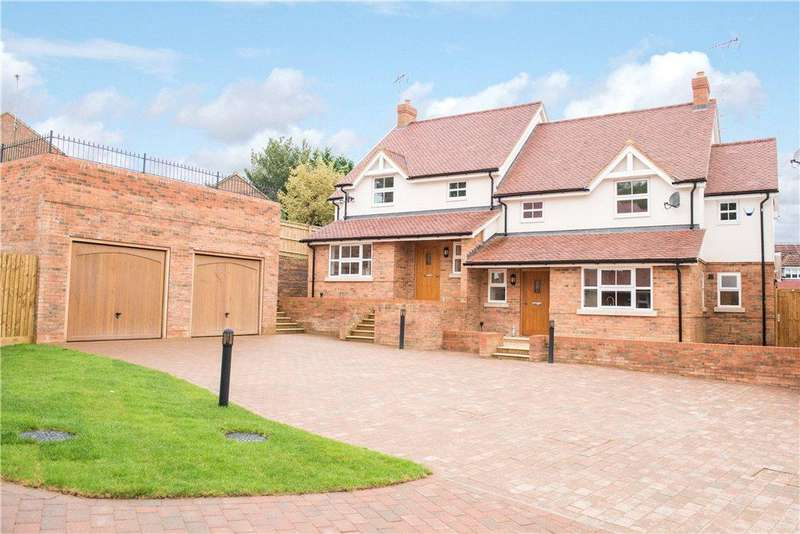 4 Bedrooms Semi Detached House for sale in Finchley House, The Siding, Buckingham, Buckinghamshire
