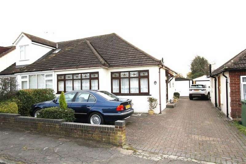 2 Bedrooms Semi Detached Bungalow for sale in Bootham Road, Billericay