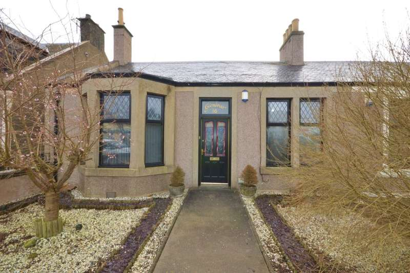 3 Bedrooms Semi Detached Bungalow for sale in Main Road, East Wemyss, Kirkcaldy, KY1