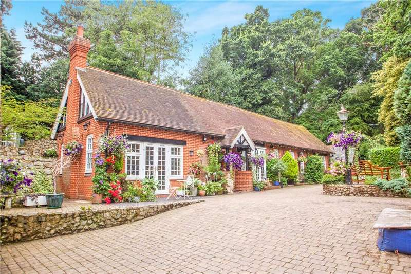 4 Bedrooms Detached House for sale in Church Lane, Westbere, Canterbury, Kent, CT2