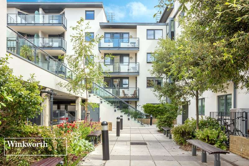 2 Bedrooms Flat for sale in Avalon, West Street, Brighton, East Sussex, BN1