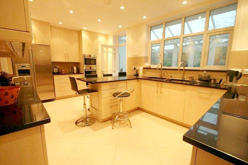 4 Bedrooms House for rent in Delamere Road, Ealing, London, W5
