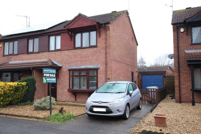 3 Bedrooms Semi Detached House for sale in Balderton, Heron Way NG24