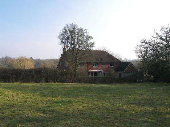 5 Bedrooms Detached House for sale in Lurgashall, Petworth, West Sussex