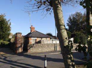 1 Bedroom Bungalow for sale in Limmer Lane, Felpham, Bognor Regis, West Sussex
