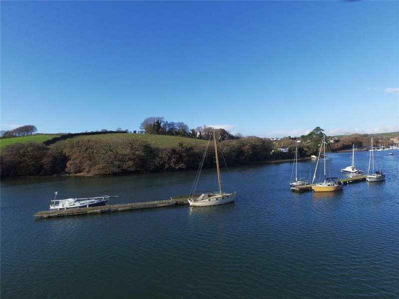3 Bedrooms Terraced House for sale in The Boatyard, Embankment Road, Kingsbridge, Devon