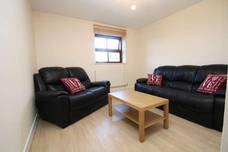 3 Bedrooms Flat for rent in KELSO HEIGHTS, BELLE VUE ROAD, LEEDS, LS3 1HN