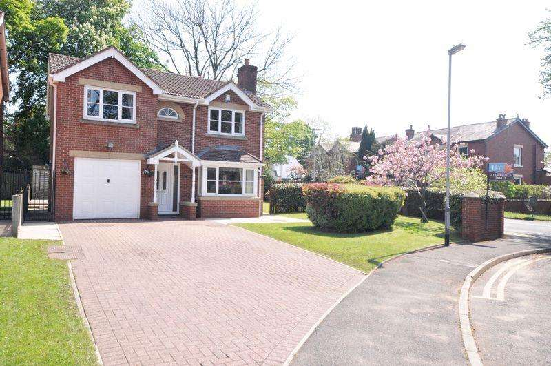 4 Bedrooms Detached House for rent in Banks Croft, Hopwood, Heywood