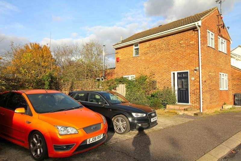 3 Bedrooms End Of Terrace House for sale in Saddle Rise, Chelmsford, Essex, CM1