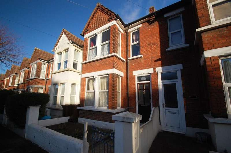 3 Bedrooms Terraced House for sale in Rock Avenue, Gillingham, ME7