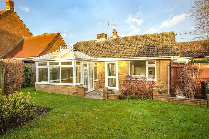 2 Bedrooms Detached Bungalow for sale in Bull Lane, Maiden Newton, Dorchester, DT2