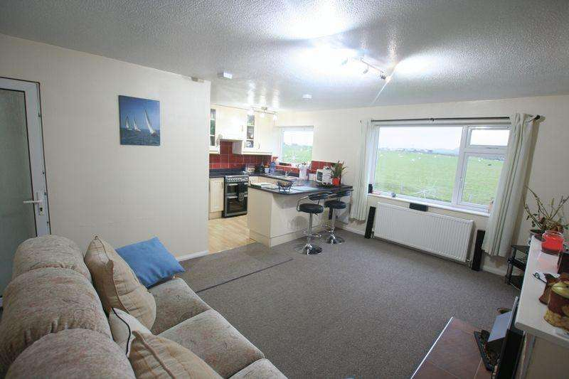 2 Bedrooms Semi Detached House for rent in Trearddur Bay, Anglesey