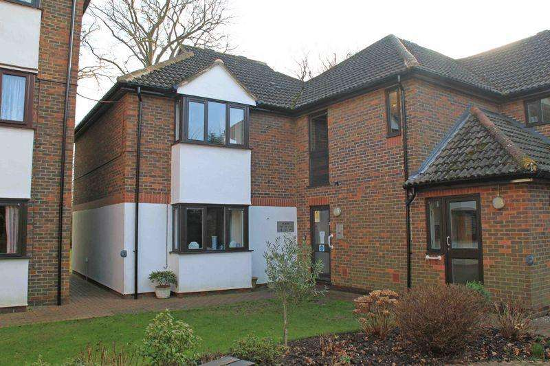1 Bedroom Retirement Property for sale in Ersham Road, Canterbury