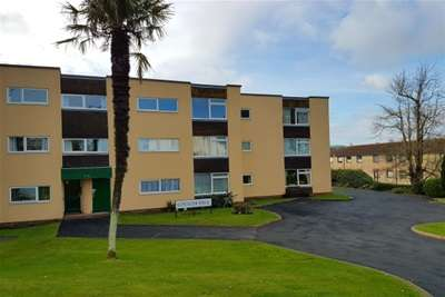 2 Bedrooms Flat for rent in Lancaster House, Paignton