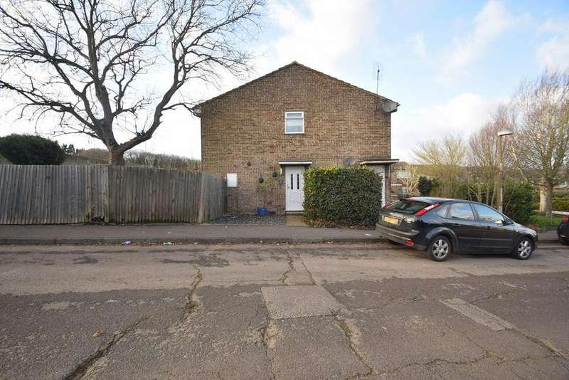 2 Bedrooms Maisonette Flat for sale in Bower Green, Chatham, ME5