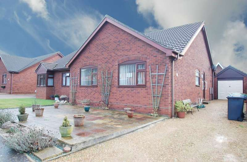 2 Bedrooms Semi Detached Bungalow for sale in Harvey Drive, North Walsham