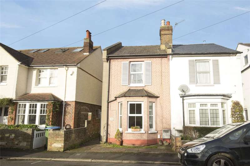 3 Bedrooms Semi Detached House for sale in Weston Park, Thames Ditton, Surrey, KT7