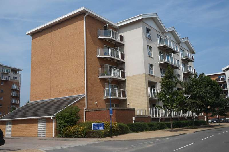 2 Bedrooms Property for sale in Genoa House, Penstone Court, Century Wharf, Cardiff Bay, Cardiff