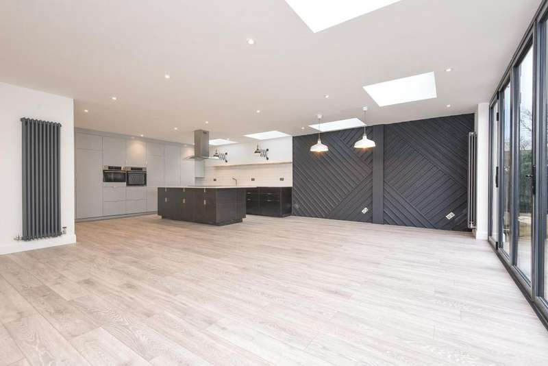 5 Bedrooms Semi Detached House for sale in Bridle Road, Shirley