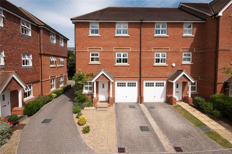 4 Bedrooms Mews House for sale in Fitzroy Place, Reigate, Surrey, RH2