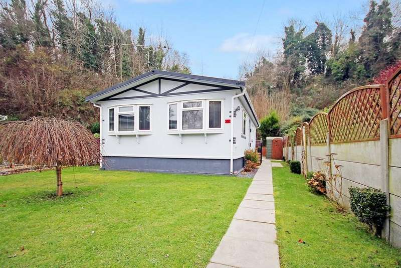 2 Bedrooms Mobile Home for sale in Mount Park, Bostal Road, Steyning, BN44