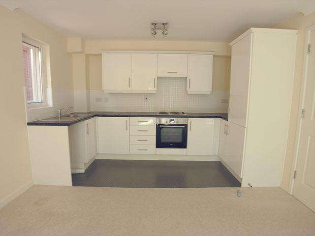 2 Bedrooms Apartment Flat for sale in Delta Court