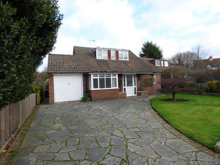 4 Bedrooms Bungalow for rent in Boughton Lane Maidstone Kent, ME15 9QW