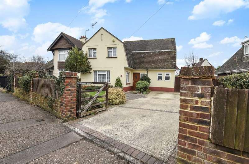 4 Bedrooms Detached House for sale in Hawthorn Road, Bognor Regis, PO21
