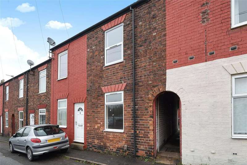 2 Bedrooms Terraced House for sale in Queen Street, Grantham, NG31