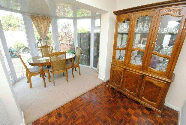 4 Bedrooms Semi Detached House for sale in Wimborn Avenue, GRIMSBY
