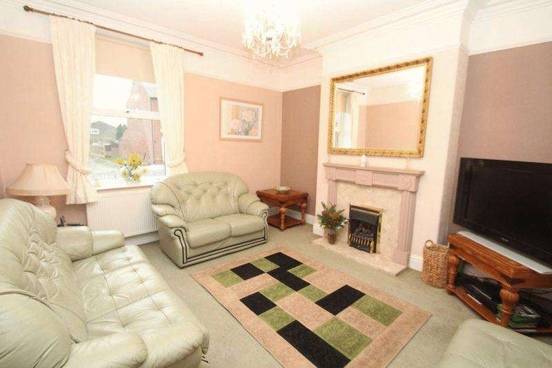 3 Bedrooms Terraced House for sale in Norden Road, Bamford, Rochdale OL11 5PT