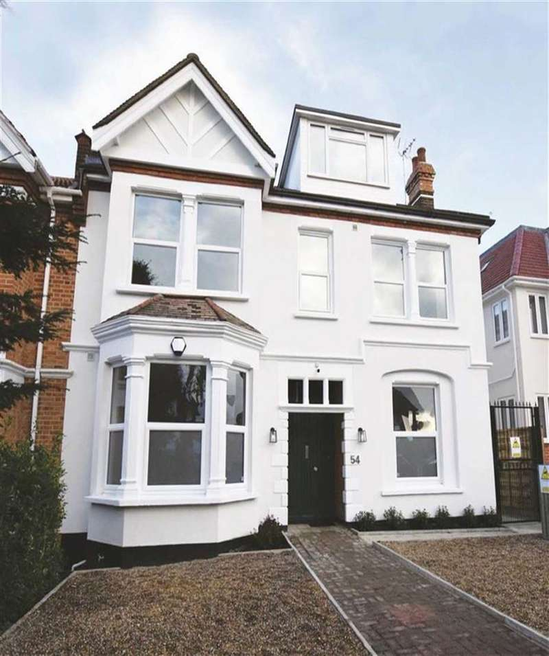 2 Bedrooms Flat for sale in Woodside Park Road, Woodside Park, London, N12