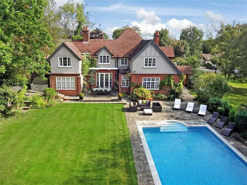 5 Bedrooms Detached House for sale in The Avenue, Bucklebury, Reading, Berkshire