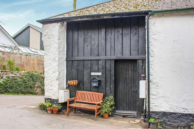 2 Bedrooms Barn Conversion Character Property for sale in Ashburton, Devon