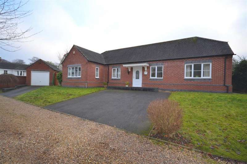 3 Bedrooms Detached Bungalow for sale in Seabridge Road, Newcastle