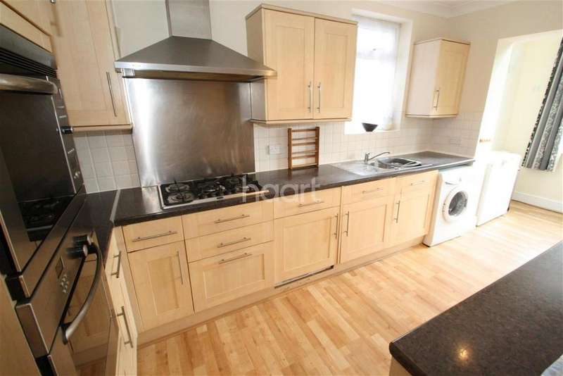 4 Bedrooms Detached House for rent in Victoria Road, Chingford, E4