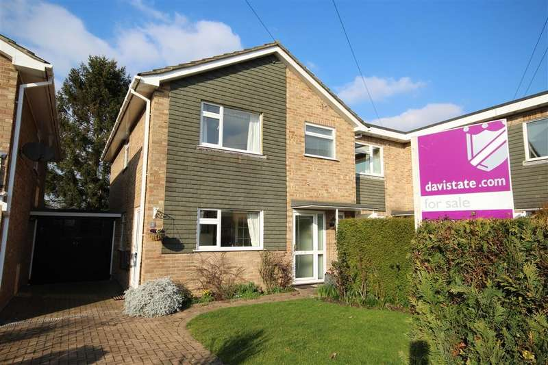 3 Bedrooms Semi Detached House for sale in East View Close, Wargrave, RG10