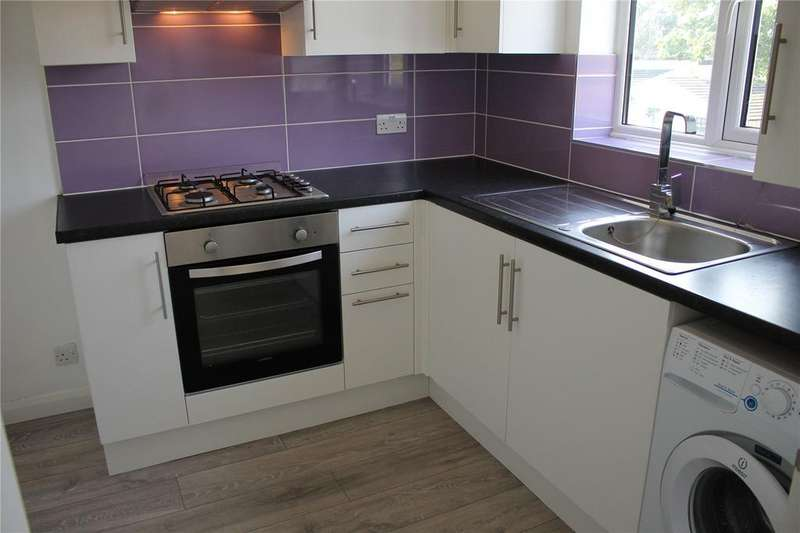 2 Bedrooms Apartment Flat for sale in Thorndon Avenue, West Horndon, Brentwood, Essex, CM13